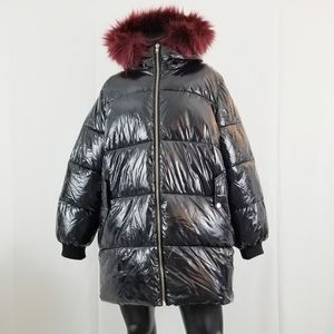 Premium Black Puffer Jacket with Faux Fur